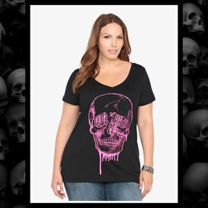 TORRID V-Neck Love Hate Skull Tee